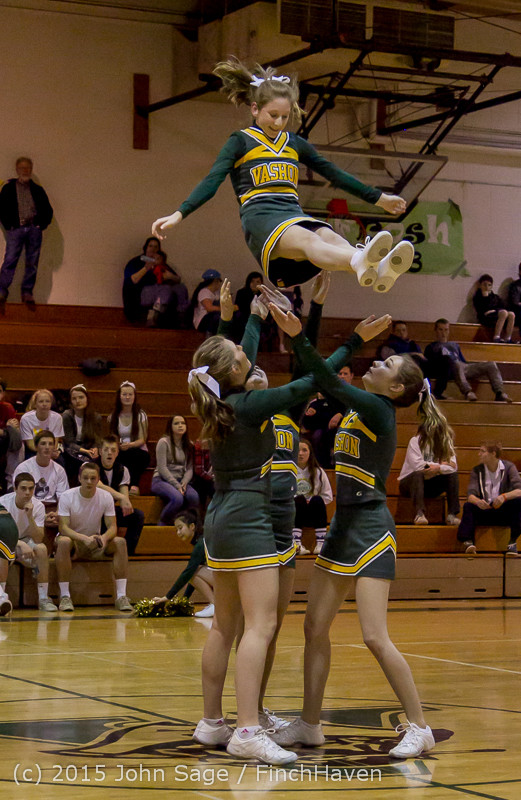 16435_VIHS_Winter_Cheer_at_Halftime_BBall_v_Sea-Chr_010915