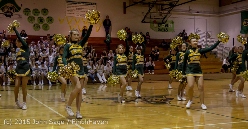 16707_VIHS_Winter_Cheer_at_Halftime_BBall_v_Sea-Chr_010915
