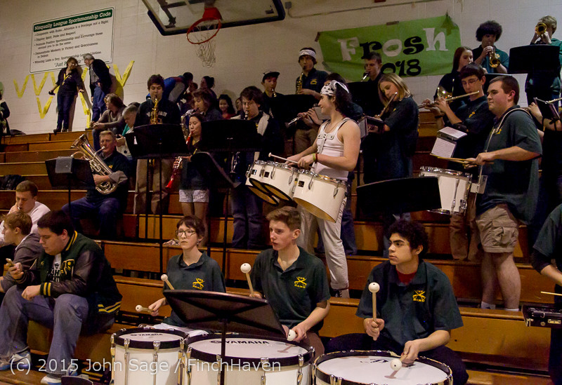 17946_White_Out_and_VIHS_Band_at_BBall_v_Sea-Chr_010915