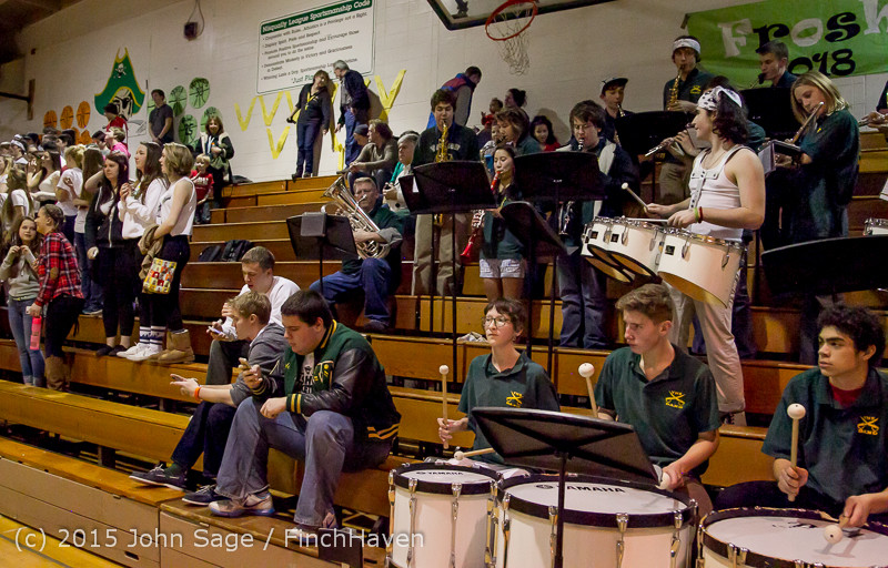 17950 White Out and VIHS Band at BBall v Sea-Chr 010915