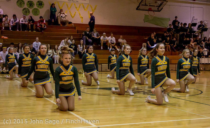 19294_VIHS_Winter_Cheer_at_Halftime_BBall_v_Sea-Chr_010915