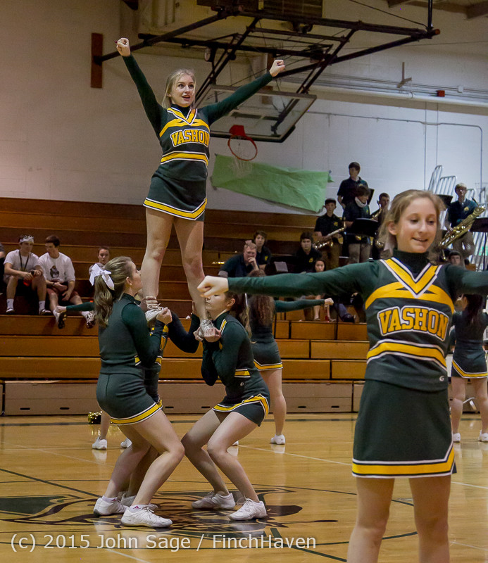 19397_VIHS_Winter_Cheer_at_Halftime_BBall_v_Sea-Chr_010915