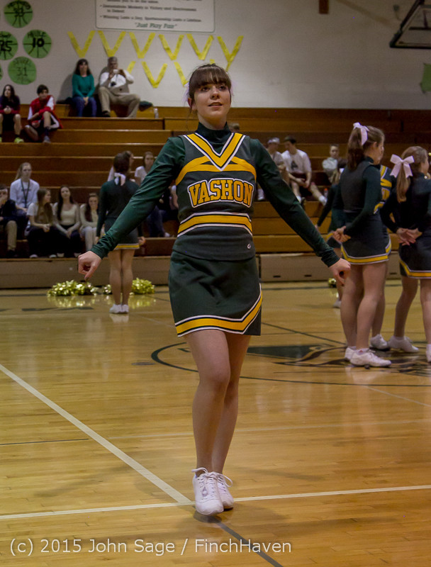 19417_VIHS_Winter_Cheer_at_Halftime_BBall_v_Sea-Chr_010915