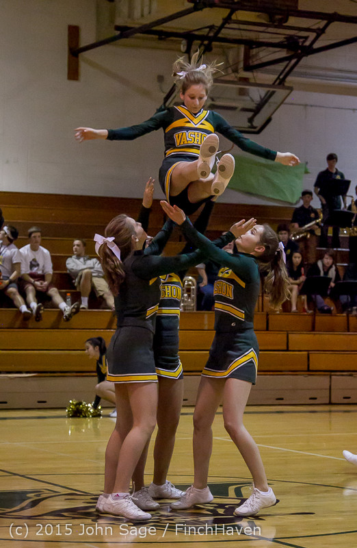 19445_VIHS_Winter_Cheer_at_Halftime_BBall_v_Sea-Chr_010915