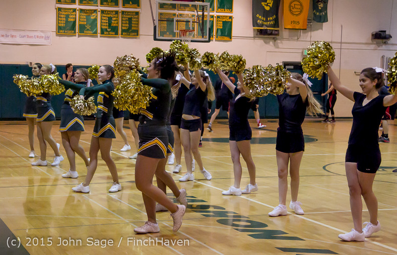 20803 VIHS Cheer-Band-Crowd at BBall v Seattle-Academy 121614