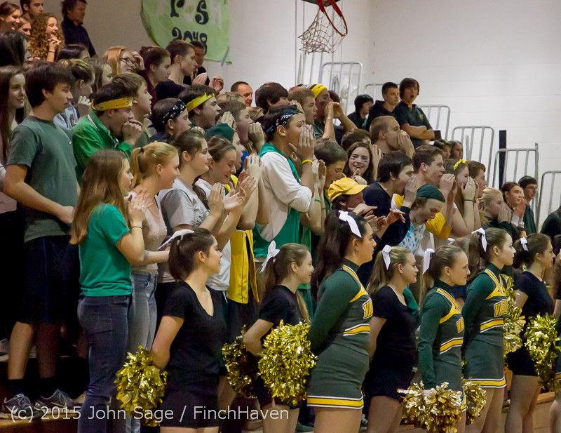 20979_VIHS_Cheer-Band-Crowd_at_BBall_v_Seattle-Academy_121614