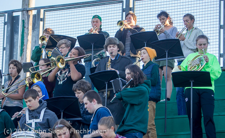 3533 Cheer-Crowd-Band at Football v Port-Angeles 091214