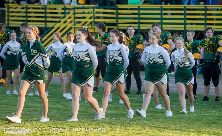 3740 Cheer-Crowd-Band at Football v Port-Angeles 091214