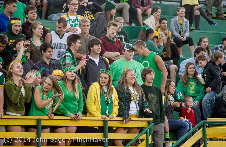 4544 Cheer-Crowd-Band at Football v Port-Angeles 091214