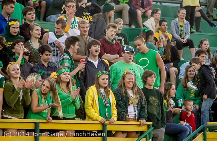 4547 Cheer-Crowd-Band at Football v Port-Angeles 091214