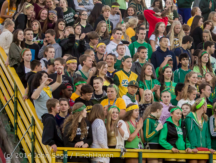 4560 Cheer-Crowd-Band at Football v Port-Angeles 091214