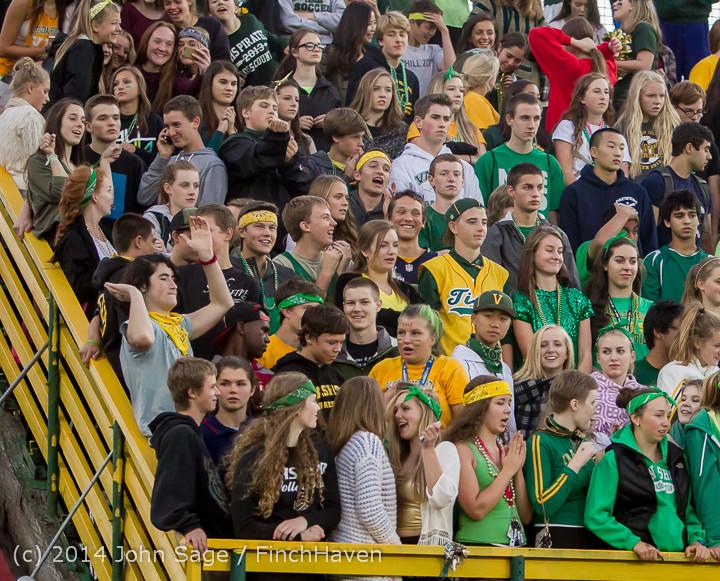 4564 Cheer-Crowd-Band at Football v Port-Angeles 091214