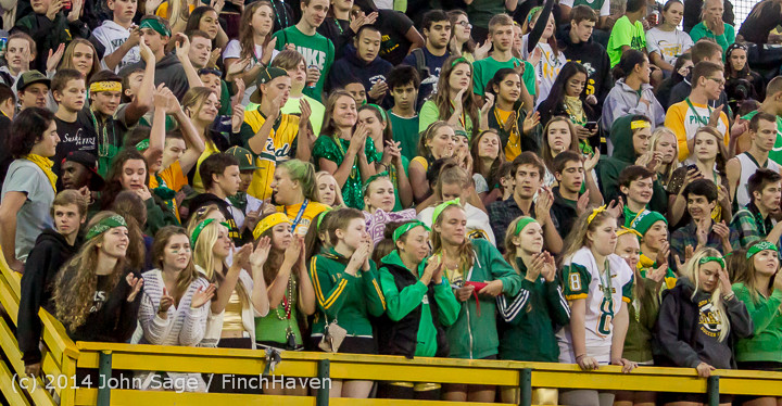 4734 Cheer-Crowd-Band at Football v Port-Angeles 091214