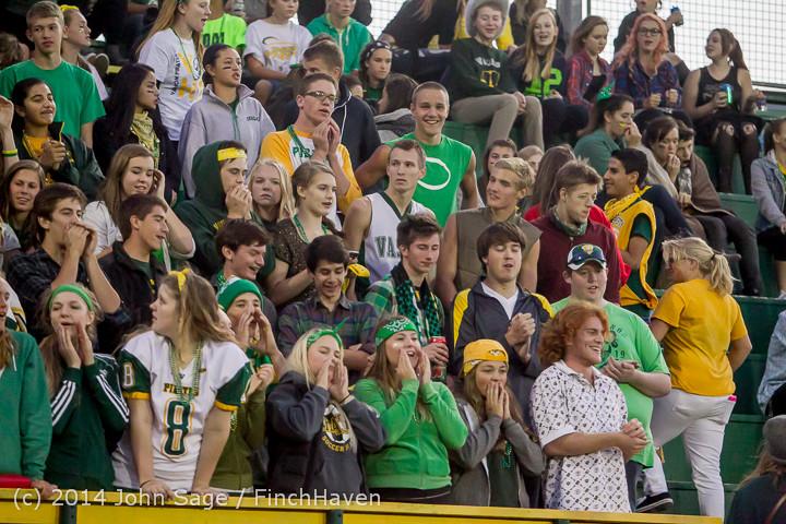 4764 Cheer-Crowd-Band at Football v Port-Angeles 091214