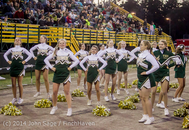 4871_Cheer-Crowd-Band_at_Football_v_Port-Angeles_091214