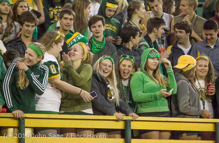 4968 Cheer-Crowd-Band at Football v Port-Angeles 091214
