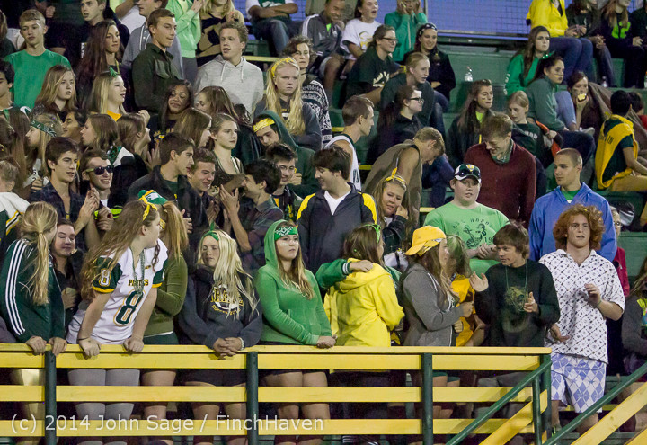 5123 Cheer-Crowd-Band at Football v Port-Angeles 091214