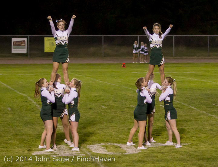 5196_Cheer-Crowd-Band_at_Football_v_Port-Angeles_091214