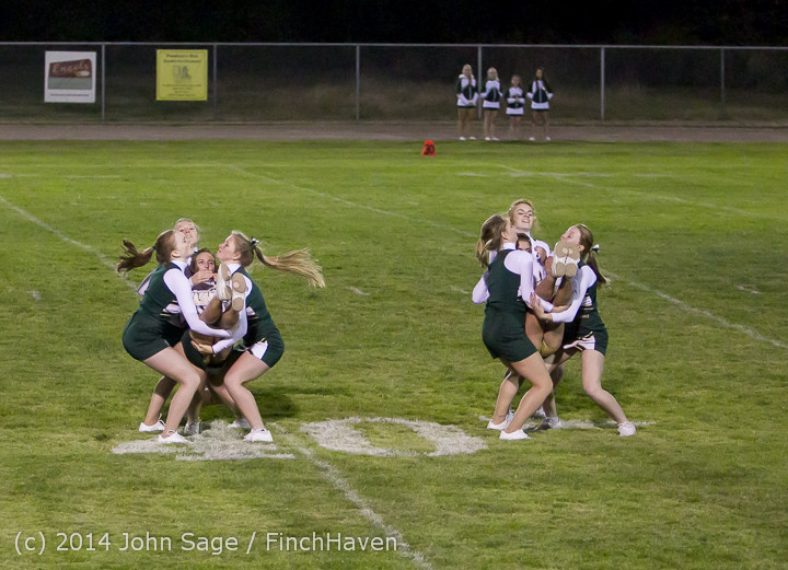5210_Cheer-Crowd-Band_at_Football_v_Port-Angeles_091214