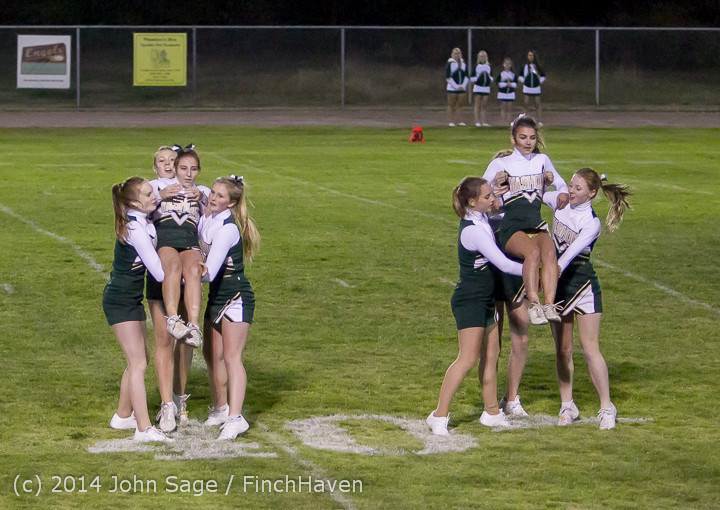 5214 Cheer-Crowd-Band at Football v Port-Angeles 091214