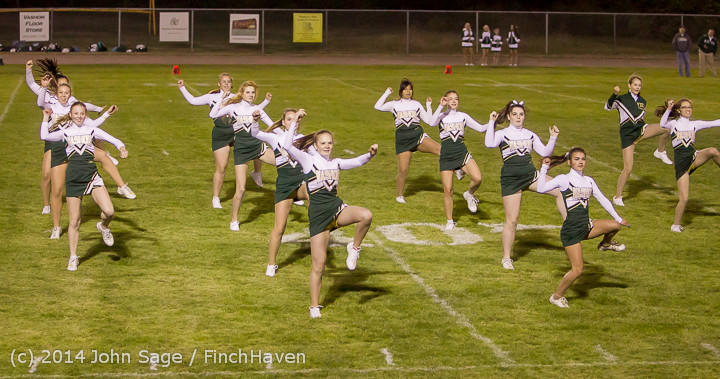 5263 Cheer-Crowd-Band at Football v Port-Angeles 091214