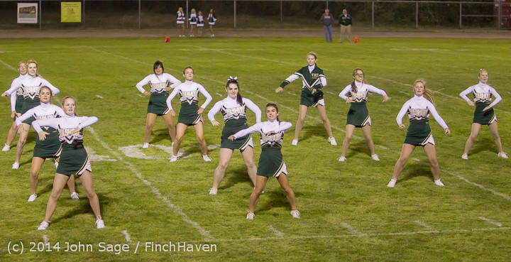 5293 Cheer-Crowd-Band at Football v Port-Angeles 091214