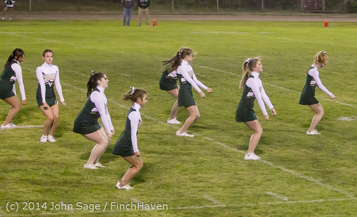 5327 Cheer-Crowd-Band at Football v Port-Angeles 091214