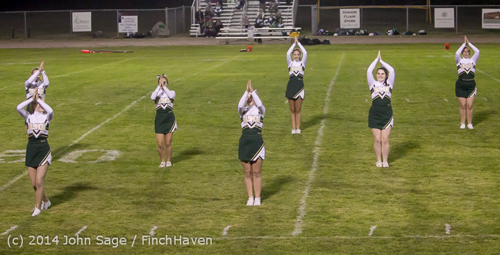 5342 Cheer-Crowd-Band at Football v Port-Angeles 091214