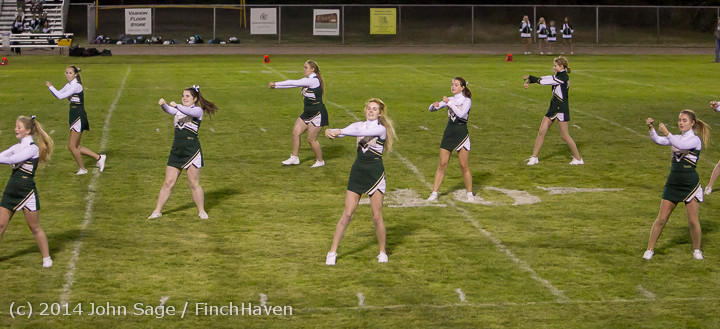 5367 Cheer-Crowd-Band at Football v Port-Angeles 091214