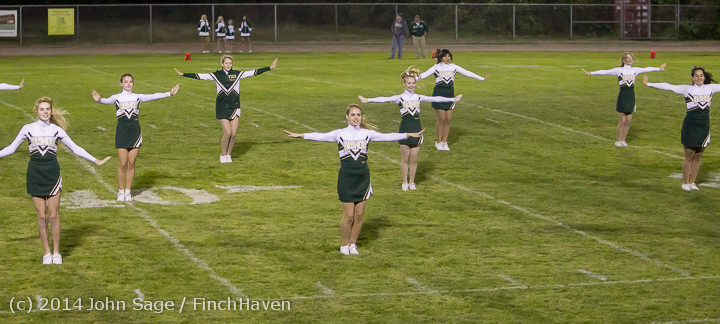 5370 Cheer-Crowd-Band at Football v Port-Angeles 091214