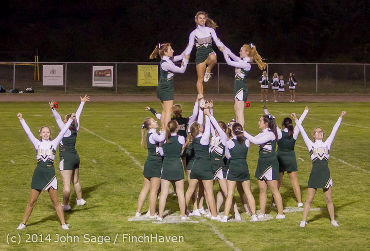 5448_Cheer-Crowd-Band_at_Football_v_Port-Angeles_091214