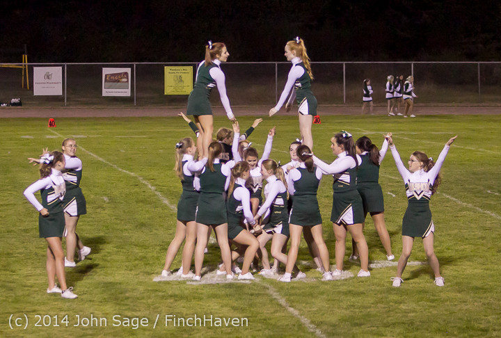 5496 Cheer-Crowd-Band at Football v Port-Angeles 091214
