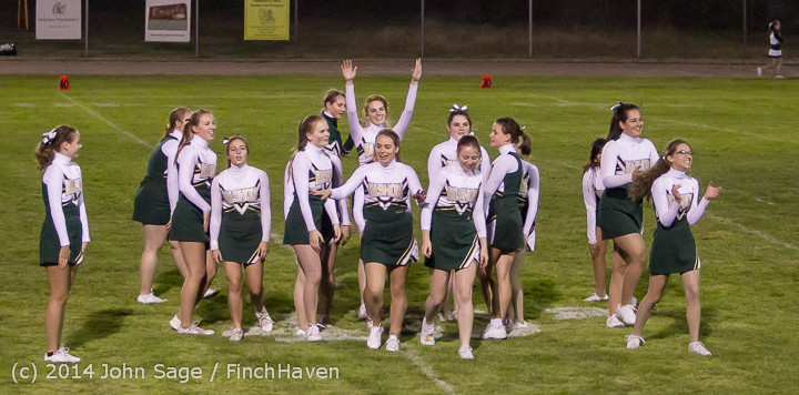 5517 Cheer-Crowd-Band at Football v Port-Angeles 091214