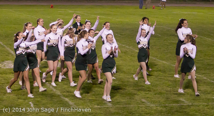 5528 Cheer-Crowd-Band at Football v Port-Angeles 091214