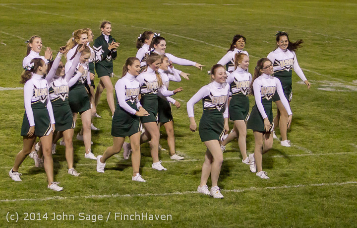 5533_Cheer-Crowd-Band_at_Football_v_Port-Angeles_091214
