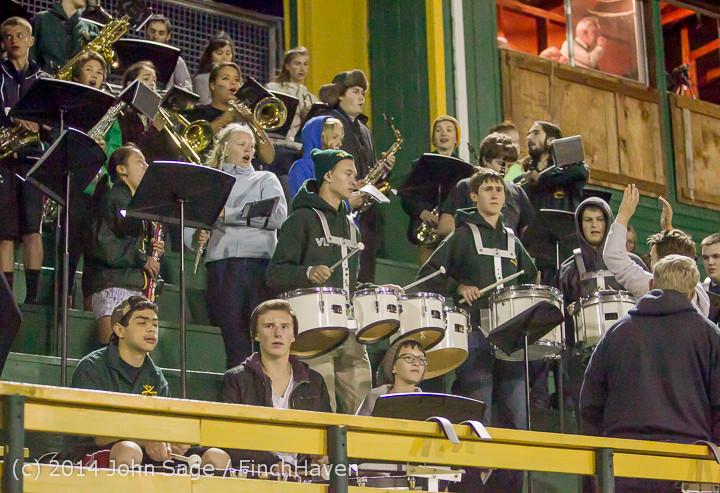 5538 Cheer-Crowd-Band at Football v Port-Angeles 091214