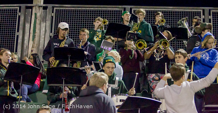 5578_Cheer-Crowd-Band_at_Football_v_Port-Angeles_091214