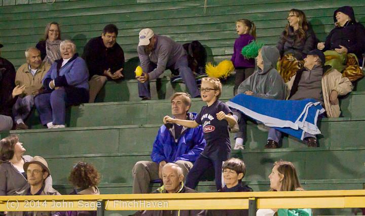 5651 Cheer-Crowd-Band at Football v Port-Angeles 091214