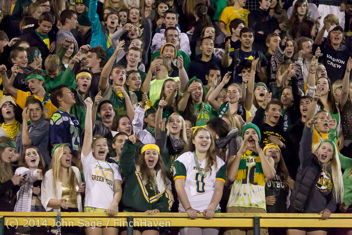 5773 Cheer-Crowd-Band at Football v Port-Angeles 091214