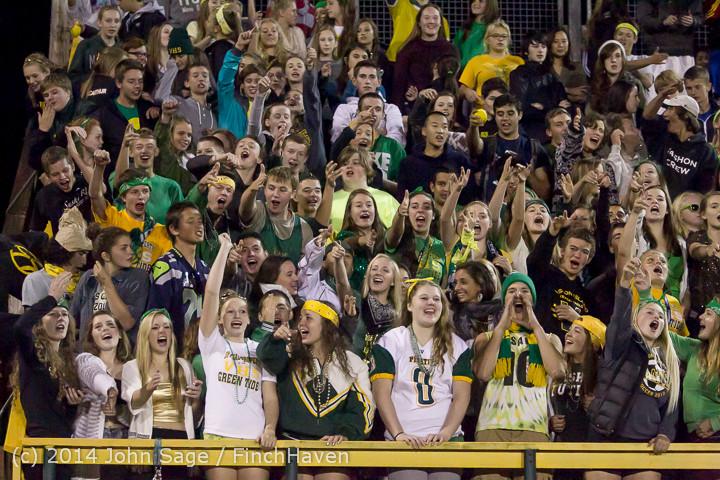 5779 Cheer-Crowd-Band at Football v Port-Angeles 091214