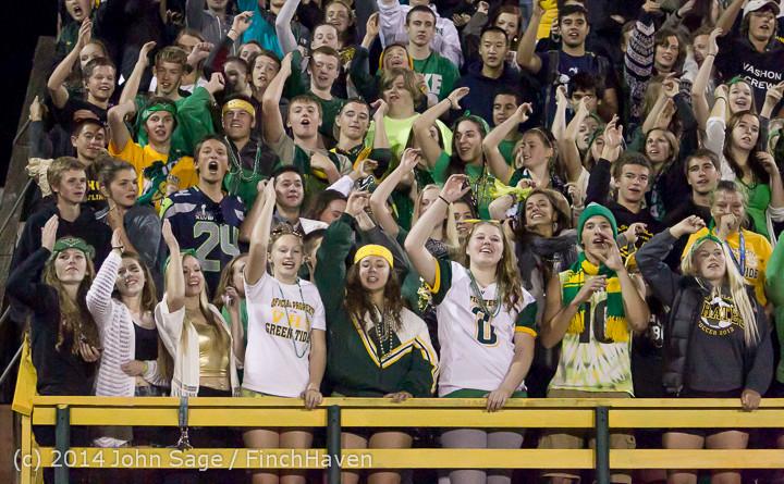 5808 Cheer-Crowd-Band at Football v Port-Angeles 091214