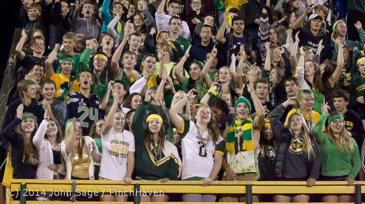 5816 Cheer-Crowd-Band at Football v Port-Angeles 091214