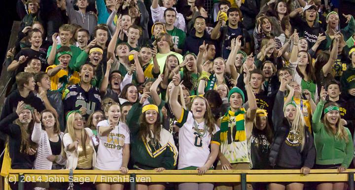 5821 Cheer-Crowd-Band at Football v Port-Angeles 091214