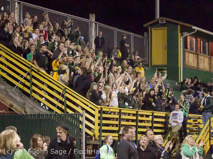 6198 Cheer-Crowd-Band at Football v Port-Angeles 091214