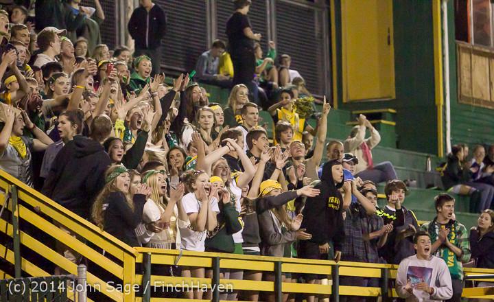 6204 Cheer-Crowd-Band at Football v Port-Angeles 091214