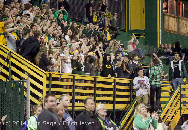 6221 Cheer-Crowd-Band at Football v Port-Angeles 091214