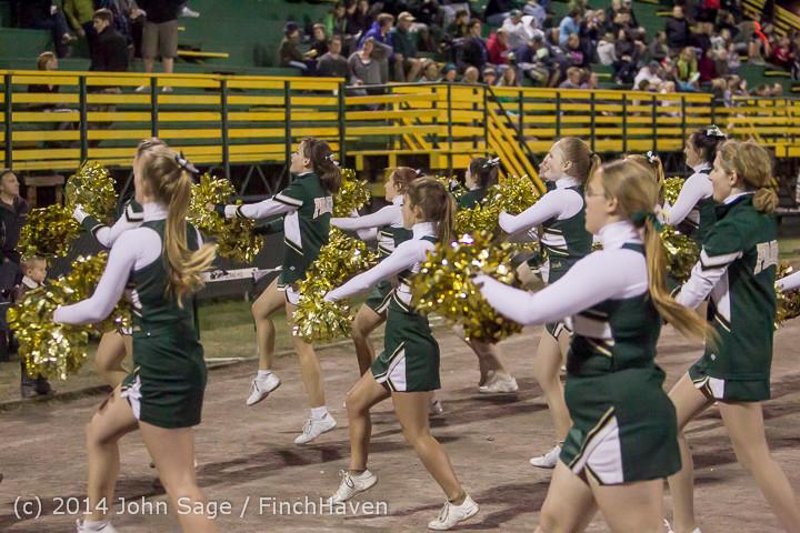 6368 Cheer-Crowd-Band at Football v Port-Angeles 091214