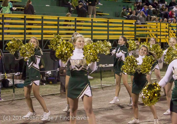 6370 Cheer-Crowd-Band at Football v Port-Angeles 091214