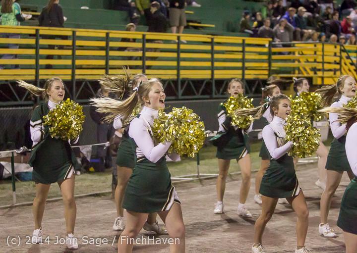 6372 Cheer-Crowd-Band at Football v Port-Angeles 091214