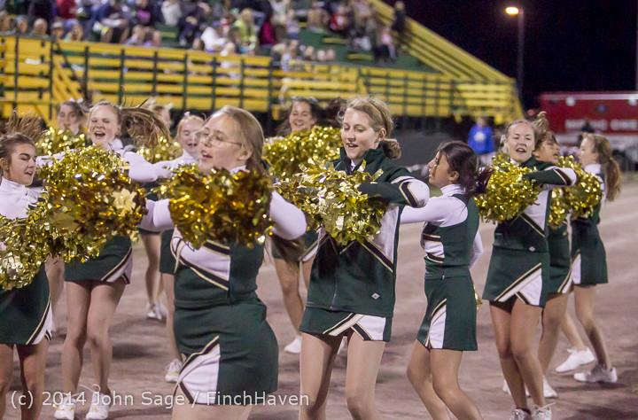 6404 Cheer-Crowd-Band at Football v Port-Angeles 091214